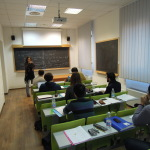 Studenti a lezione in una delle aule del GSSI